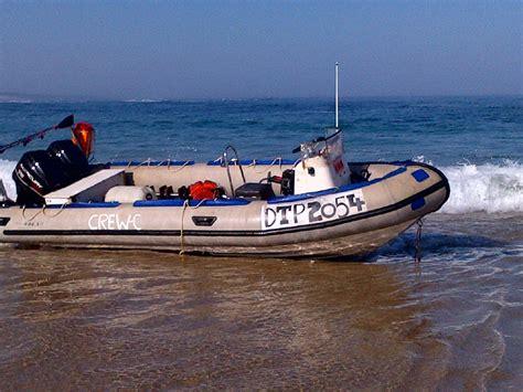boat shop in port elizabeth port elizabeth boat gets into trouble in surf nsri