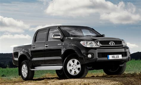 new toyotas for hero hilux primed for 09