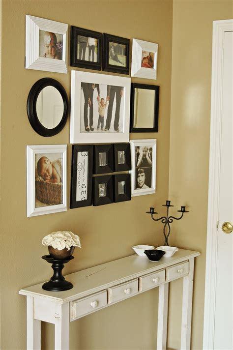 entryway wall accents