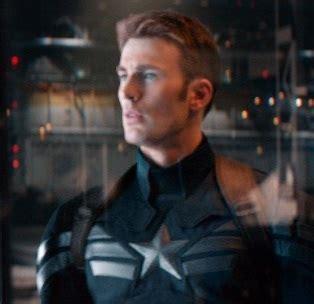 captain america le soldat de lhiver steve rogers  nick fury en  les toiles