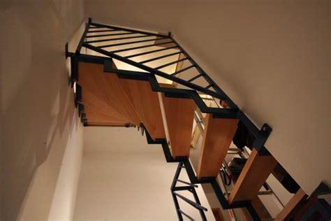 Buche Treppe Lackieren by Treppe Aus Vierkantrohr Farbig Lackiert Stufen Aus Buche