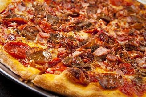 pizza meat lover t i domino s pizza aeon mall long bi 234 n meat lovers pizza picture of city pizza italian cuisine