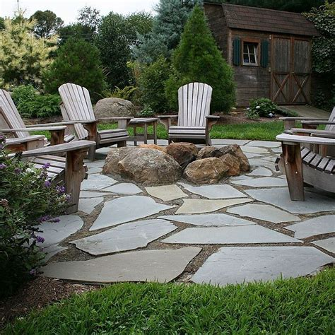 Natural Flagstone Patio & Fire Pit   Cement and Patios