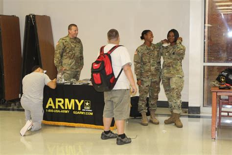 Can You Join The Army Reserves With A Criminal Record The Army Wants You The Chant
