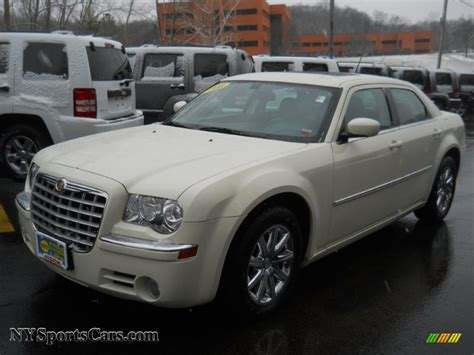 2008 Chrysler 300 Limited 2008 chrysler 300 limited in cool vanilla white 207975