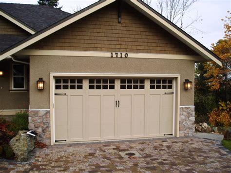 craftsman style garages clopay coachman series garage door traditional garage