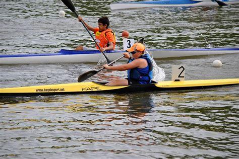 dragon boat youth race youth canoe kayak racing cobourg dragon boat canoe club