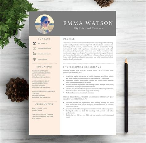 Best Creative Resume Templates by 40 Best Free Resume Templates 2017 Psd Ai Doc Free
