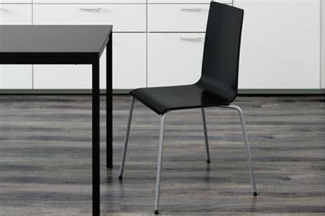 la sedia la sedia si rompe e ikea rimborsa la martin 232 difettosa