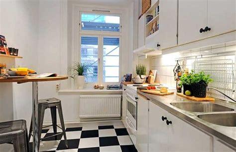 kucuk mutfak modellerinde dekorasyon fikirleri ev dekorasyon ve k 252 231 252 k mutfak dekorasyonu i 231 in pratik 199 246 z 252 mler ev dekorasyonu