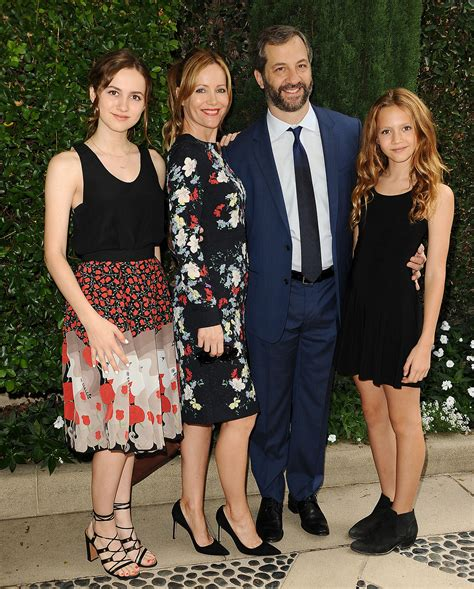 leslie mann daughter actress leslie mann talks first date with quot sweet soft quot bodied