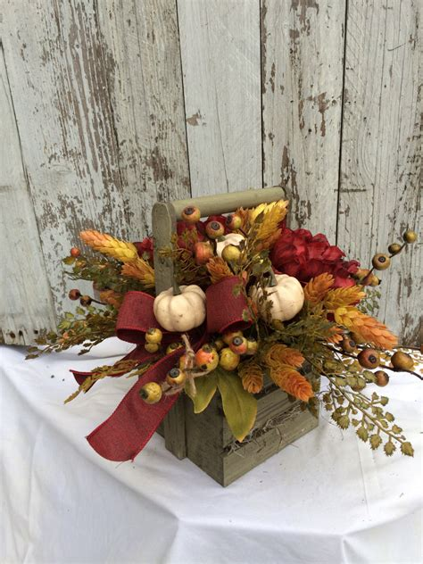 would like to make a small table centerpiece for christmas large fall table centerpiece pumpkin table decorations