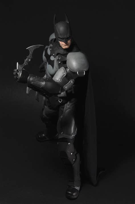 DISCONTINUED – Batman: Arkham Origins – 1/4 Scale Action