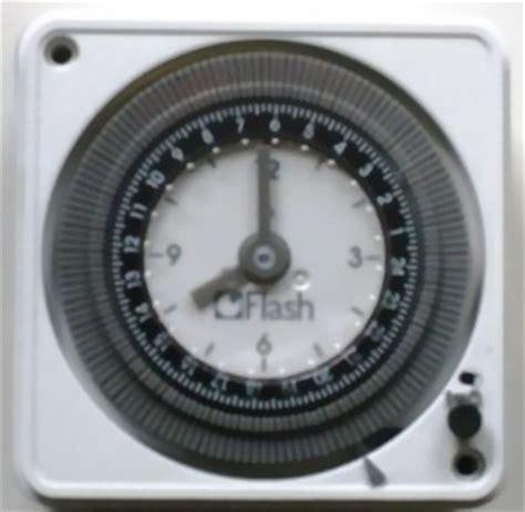 elektrische rolläden zeitschaltuhr nachrüsten zeitschaltuhr 12v oder 24v dc ac mit einen wechslschalter