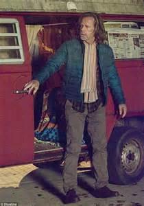 that looks like frank gallagher william h macy looks nothing like shameless s frank gallagher in michigan avenue