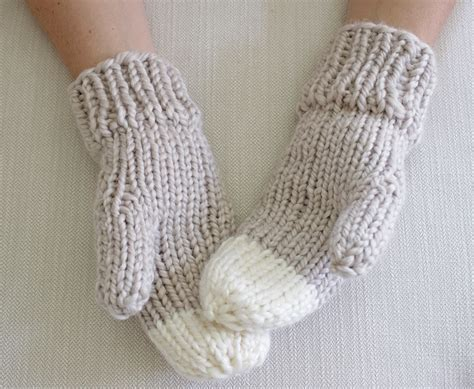 knitting pattern chunky yarn mittens chunky knit mittens pattern by simply maggie