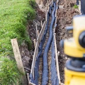 garten drainage verlegen drainage verlegen anleitung und tipps diy abc