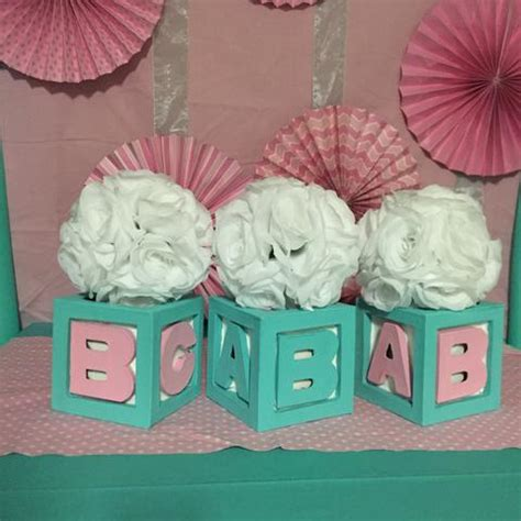 baby co gift box centerpiece with balloons and flowers
