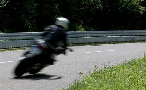 Motorrad Fahren Gefahr by Vorsicht Wild Motorradfahrer In Gefahr