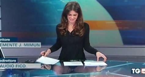 Celana Amare Basic presentadora constanza calabrese olvida que su mesa era