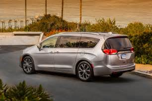 Chrysler Pacfica 2017 Chrysler Pacifica Drive Review Motor Trend