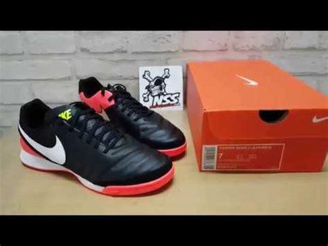 Sepatu Futsal Nike Tiempox Genio 2 Leather Ic Putih Hijau Original New sepatu futsal nike tiempo x genio ii leather ic