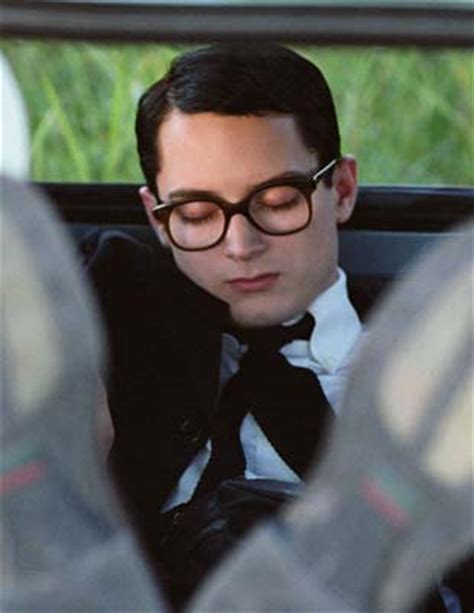 elijah wood vegan everything is illuminated liev schreiber 2005 dir de