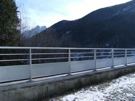 ringhiera in alluminio barriera stradale in alluminio ringhiera stradale aluscalae