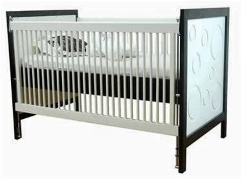 Ranjang Bayi Sederhana model ranjang bayi yang aman