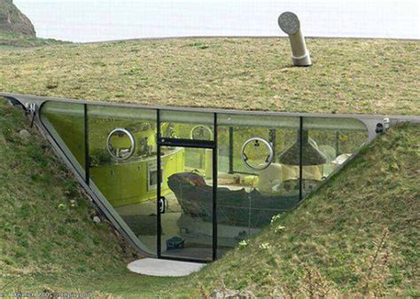 ground house under ground house with plant roof cool shit pinterest
