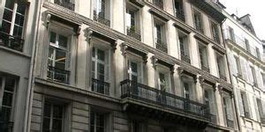 La Grange Bateliere 9 by 16 Rue De La Grange Bateli 232 Re 75009