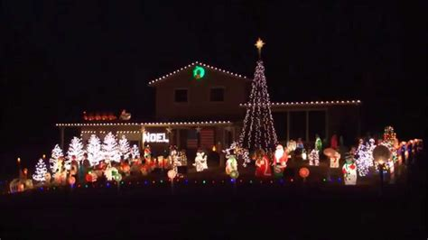 synchronized christmas lights in st charles 2014 youtube