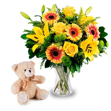 immagini di fiori gialli bouquet di fiori gialli con peluche in regalo floraqueen