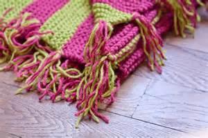 rosechiffon tricoter une couverture 224 pompons pour b 233 b 233
