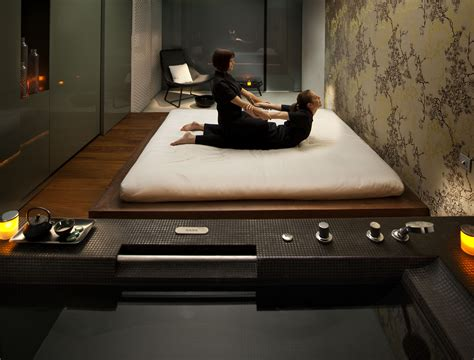 futon massage recommended hotels at barcelona city centre
