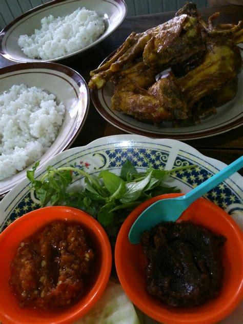 Pandan Nanas Depok wisata kuliner enak dan populer di ngawi tempat makan