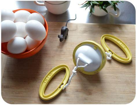 Kitchen Goose Gadgets Golden Goose A Kitchen Gadget For Scrambling An Egg