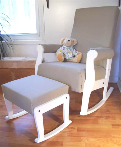 Rocking Chair For Baby Nursery Tips For Buying The Best Nursery Rocking Chair A Creative