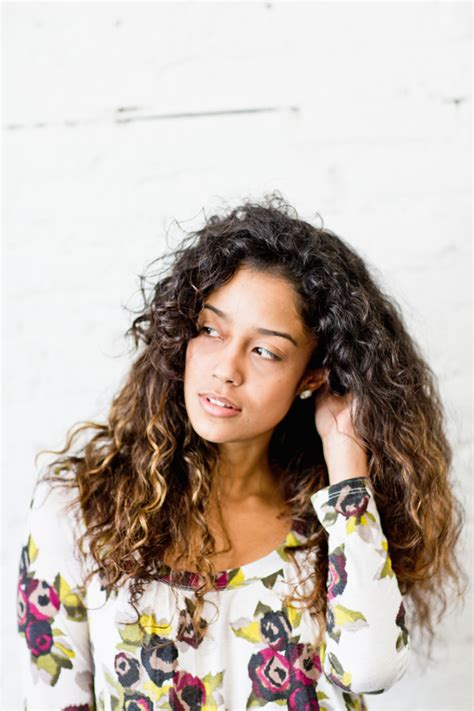 framing face with long curls 6 cut and color trends for summer hair the everygirl
