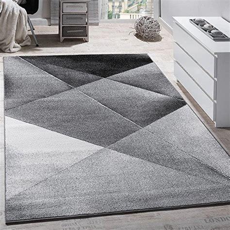tappeti a righe tappeto a righe bianco e nero idee per il design della casa