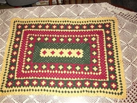 Middleman Pattern Library | ravelry granny square crib afghan pattern by ann middleman