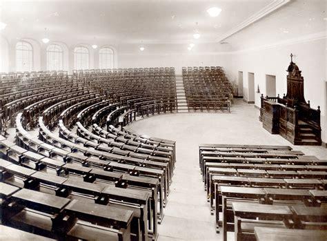 biblioteca lettere siena file pontificia universit 224 gregoriana aula anfiteatro jpg