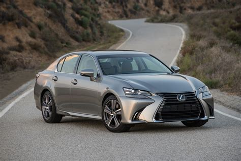 club lexus gs lexus gs safety features save reviewer from potential