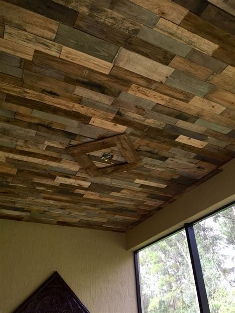 reclaimed pallet wood ceiling for our lanai cool ideas