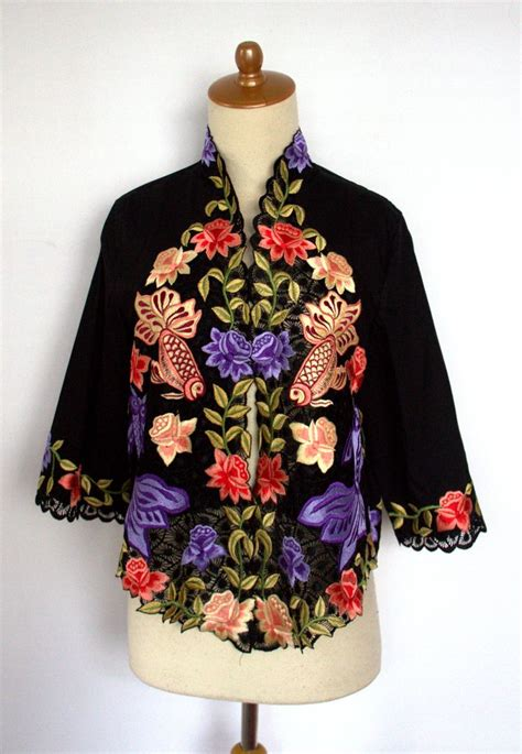 Alk Baju Batik Pesta Gold Cape pin by hesty adisoewignyo on kebaya hesty adisoewignyo indonesia kebaya and