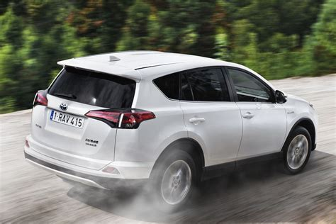 pictures of a toyota rav4 toyota rav4 2016 pictures toyota rav4 2016 images 4 of 27