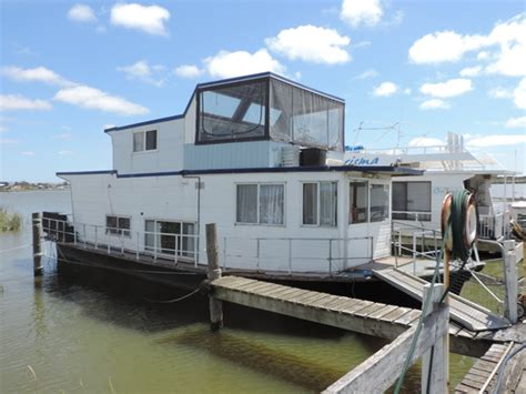 cheap house boats fantastic cheap good small houseboat for sale