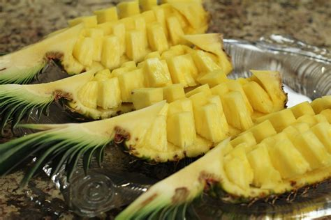 how to cut the perfect pineapple every time forkly