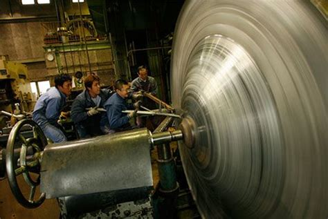 spinning after c section metal spinning tools workmen applying the hera shibori