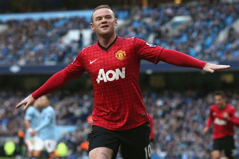 Manchester United Rooney the forward of manchester united wayne rooney wallpapers